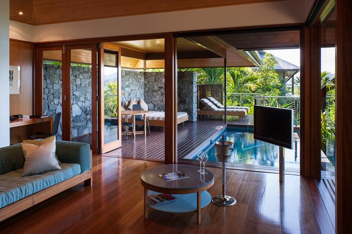 lounge & deck Pavilion 3 Qualia