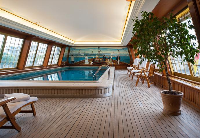 pool - Le Bristol