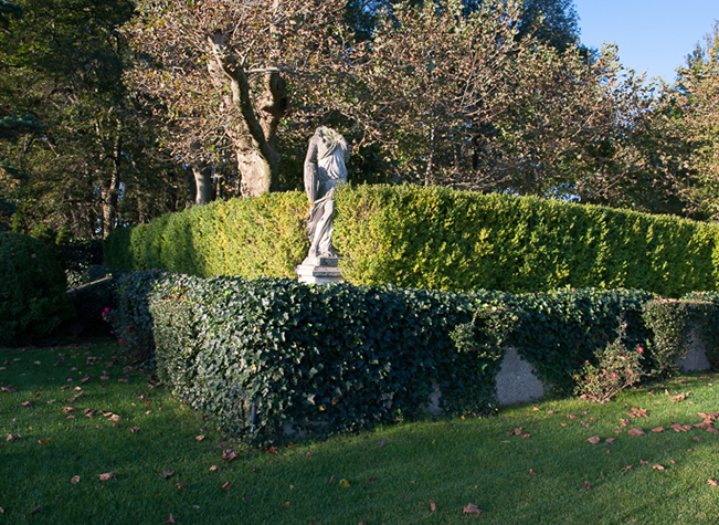 Headless statue, Oheka Castle, Long Island, New York