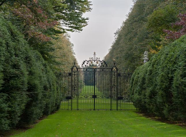 gate - Old Westbury