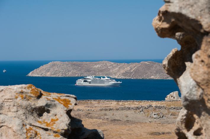 Le Soleal off Delos